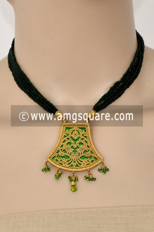 Green Traditional Thewa Pendant Set 11268