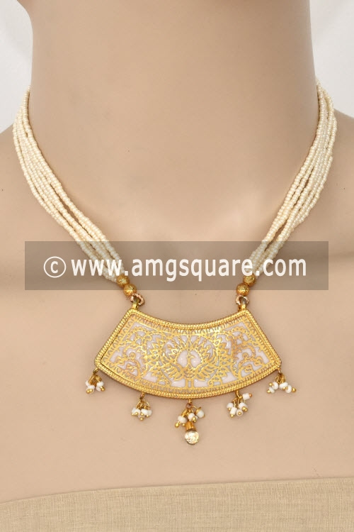 White Traditional Thewa Pendant Set 11257