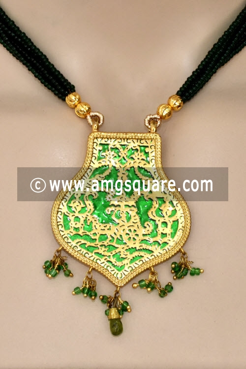 Green Traditional Thewa Pendant Set 11253